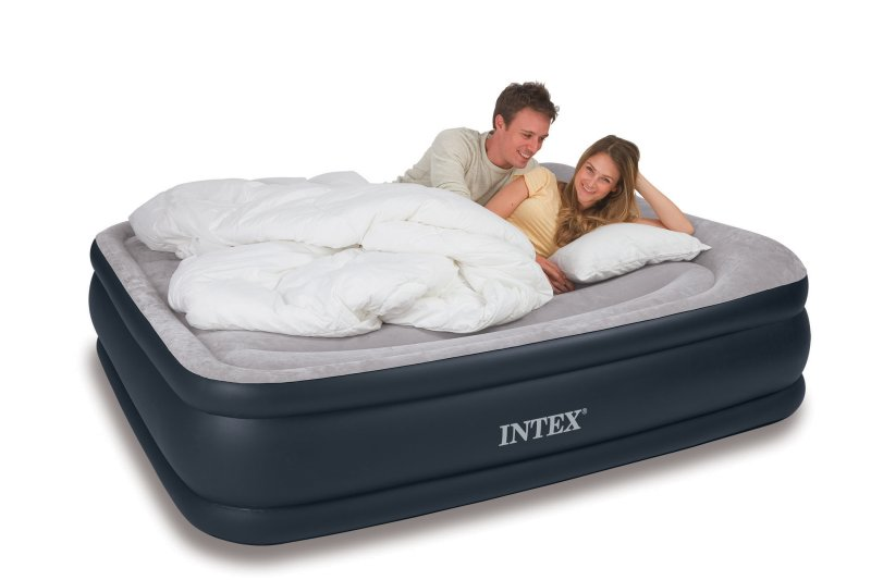 Intex Deluxe Pillow Rest Queen Air Bed | 67737E