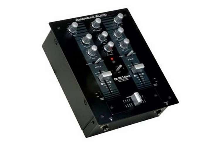 Q-D1 MKII�AMERICAN AUDIO Q-D1 MKII PRO DJ PA Rack Mount Mixer