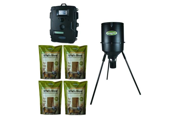 PHB30B + 4 x MFH-S4 + D50-Camera�Moultrie Game Spy D-50 Camera + 30 Gallon Pro Hunter Tripod Feeder + 4 Alfalfa Feed Packages